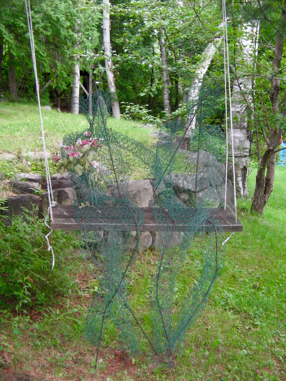 A wire sculpture at Lake Patrick