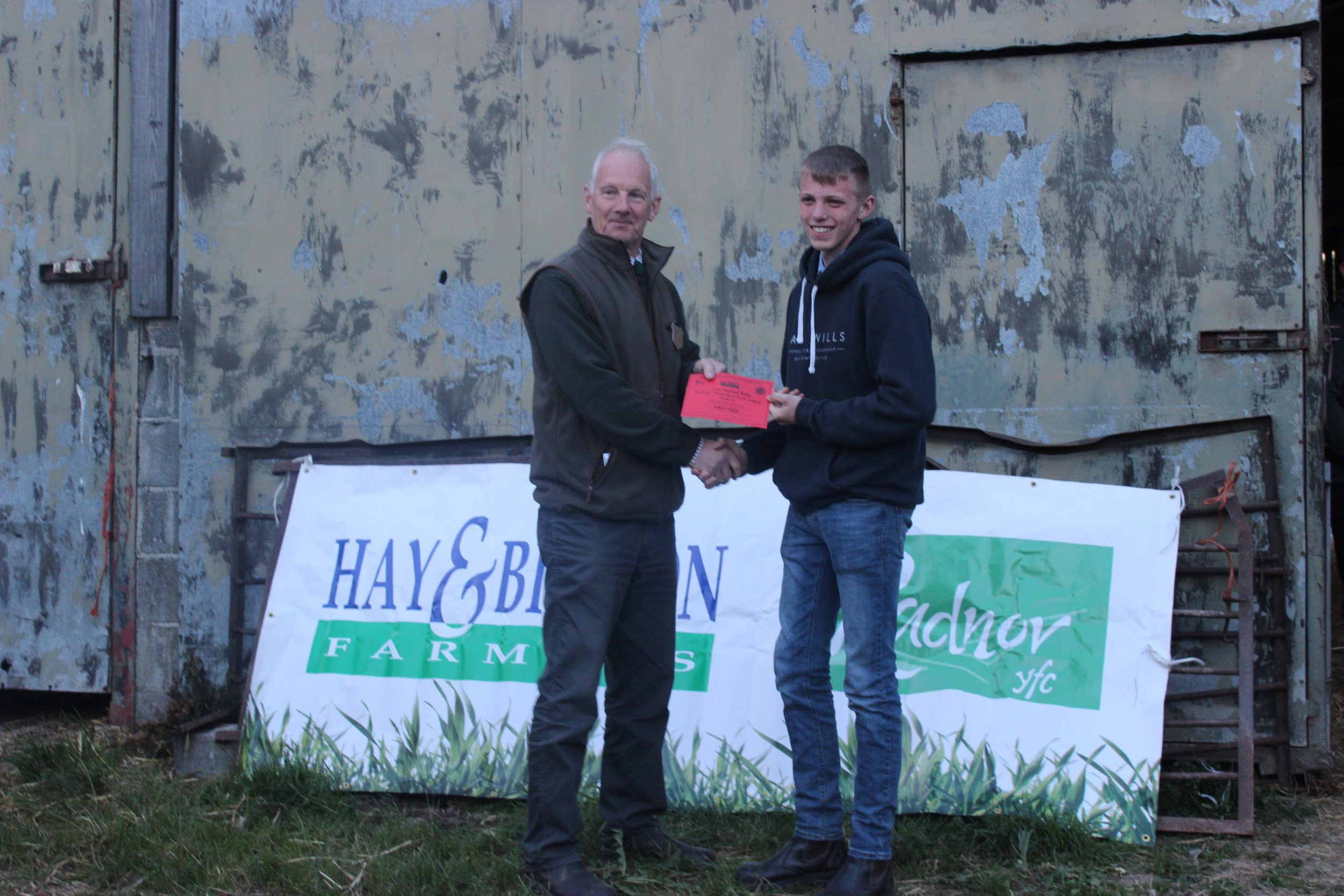 Ieuan Stephens, Teme Valley YFC - 1st place in the Welsh Black Cattle Stockjudging with Judge