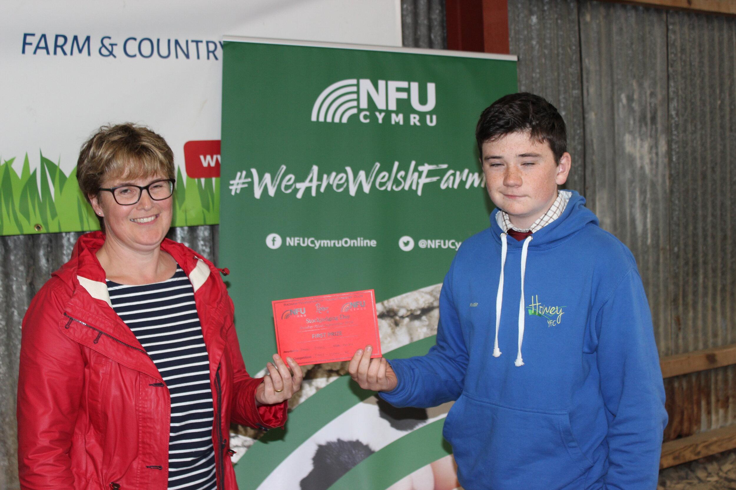 Ieuan Evans, Howey YFC - 1st place in the Junior Beef with Amanda Watson.