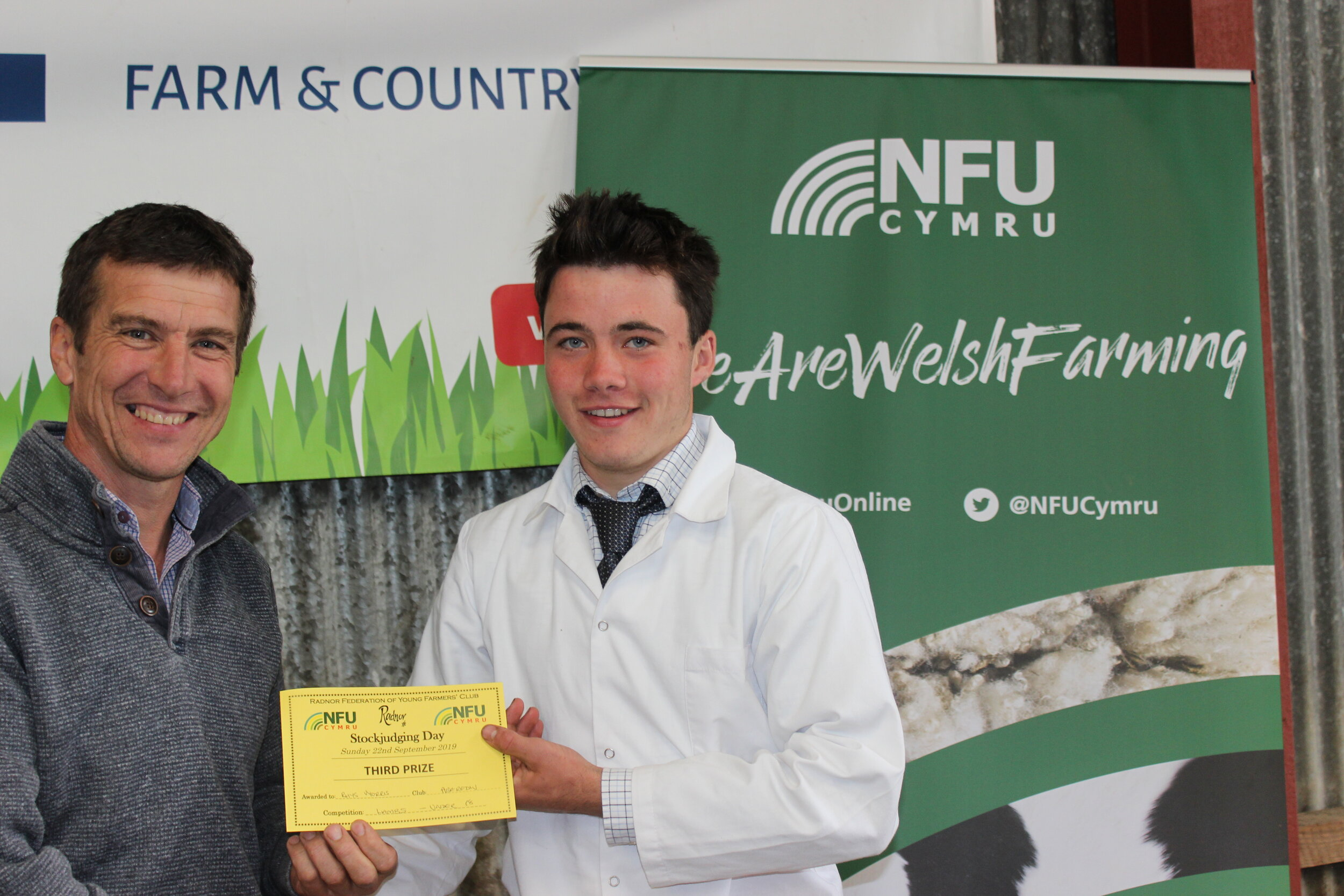 Rhys Morris, Aberedw YFC - joint 3rd place in the Junior Lamb with Mark Waston.