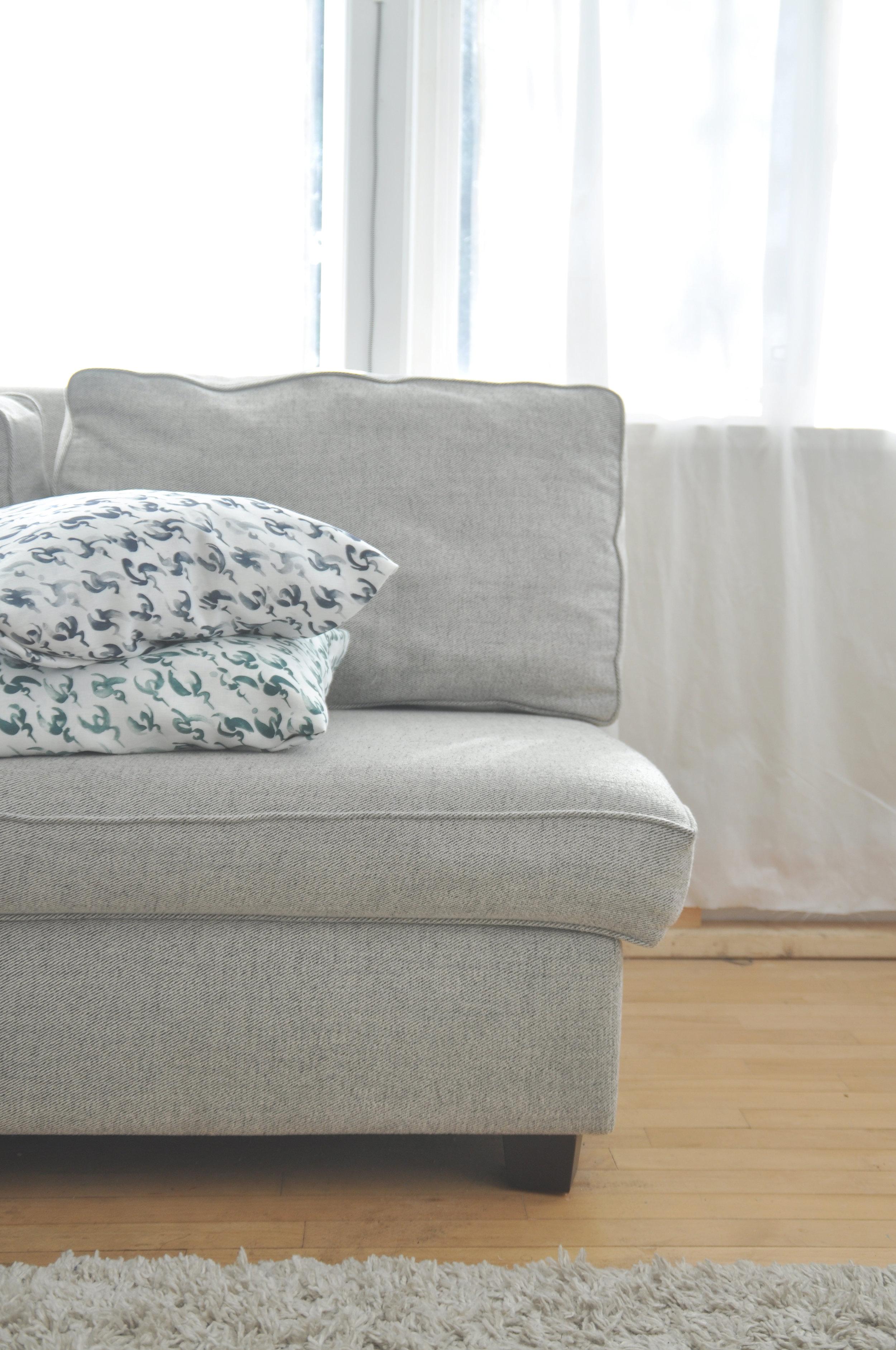 akHOME Hummstooth crop sofa.jpg