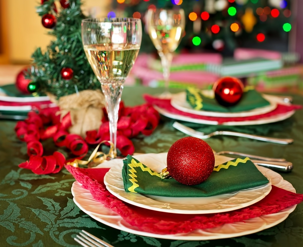 christmas-table-1909796_1280.jpg