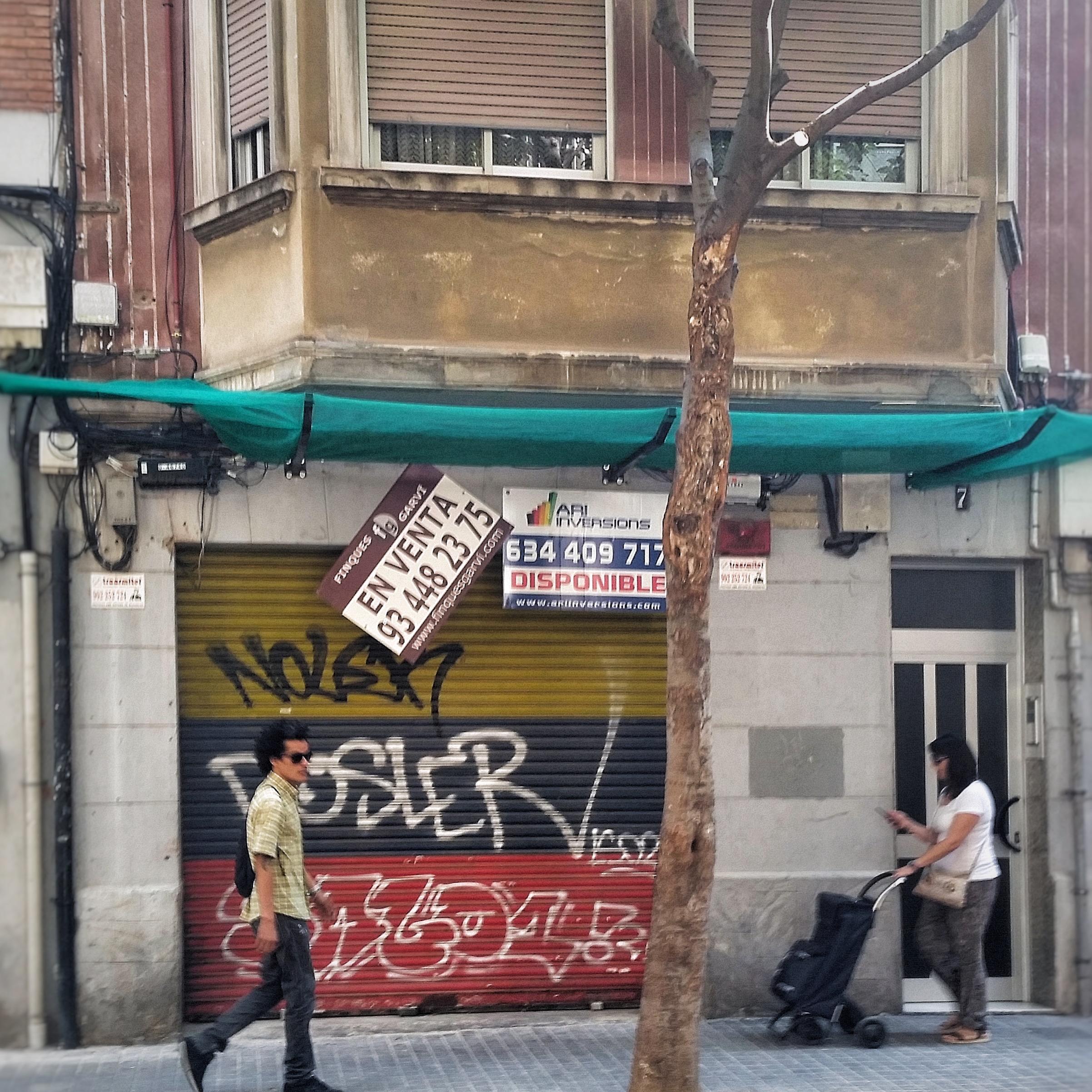 Aerfeldt_Barcelona_street_shopfront1