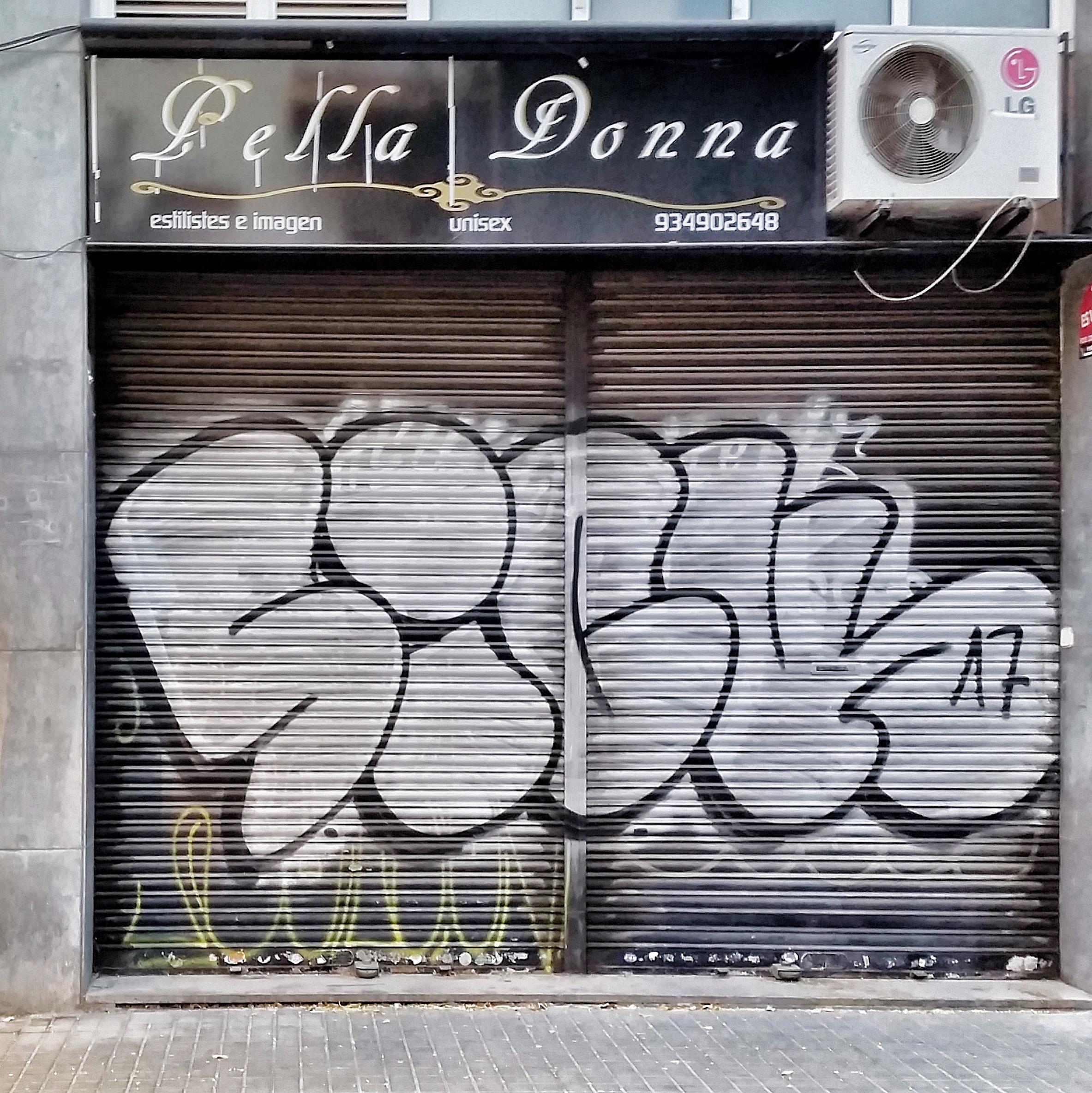 Aerfeldt_Barcelona_shopfront_4