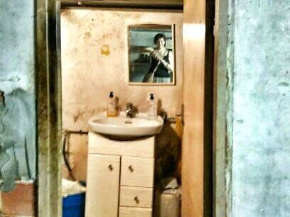 Aerfeldt_studio_bathroom_before
