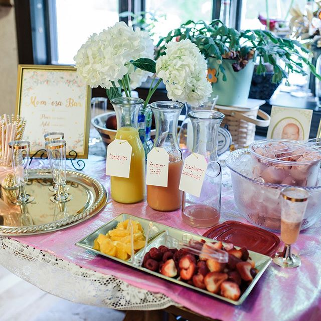 Took pictures at a baby shower this weekend that had a Mom-mosa bar set up and the cutest treats! It's all in details ✨