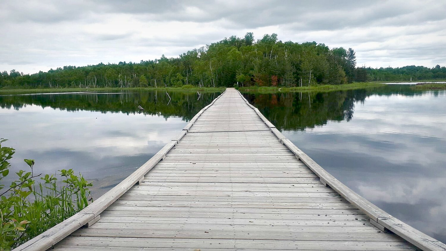 LAKE LAURENTIAN CONSERVATION AREA TO MOONLIGHT BEACH