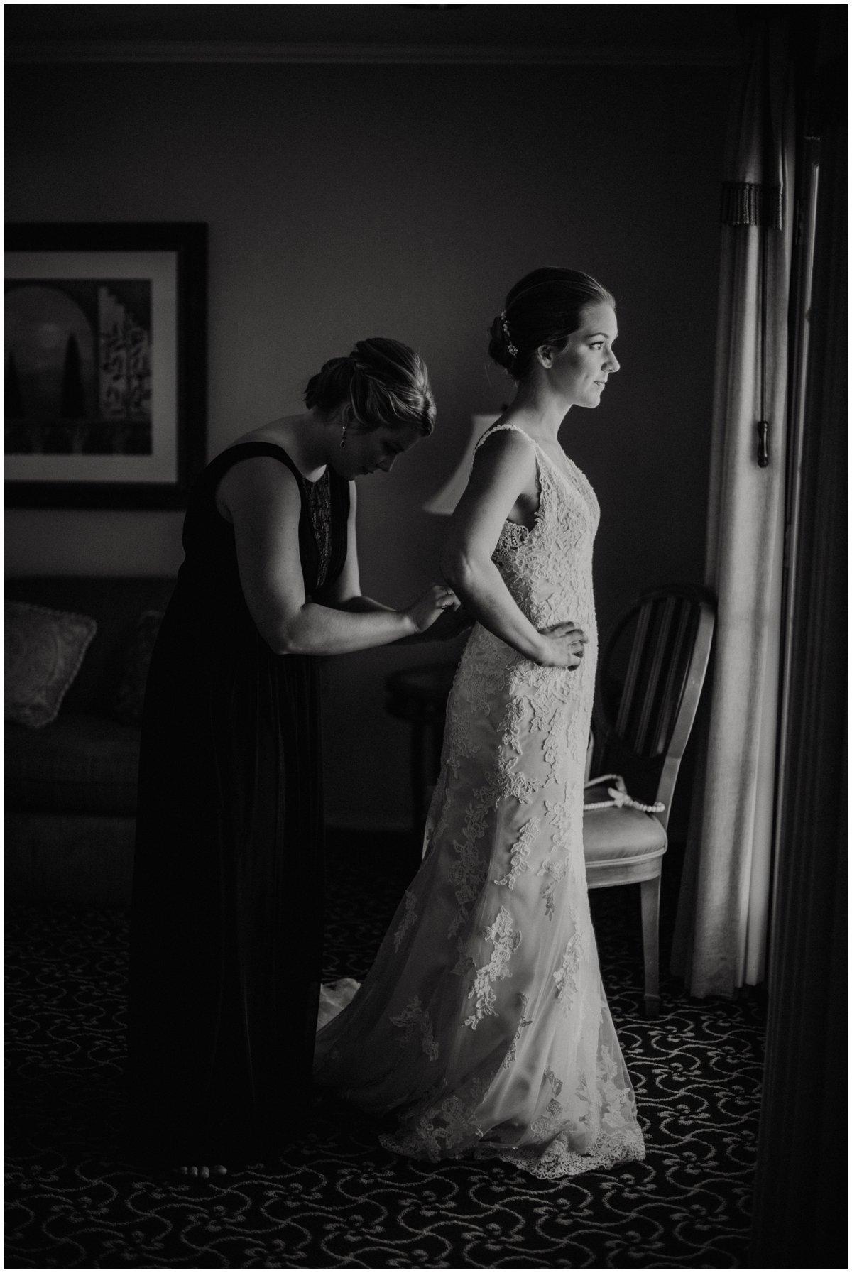 Classic and Elegant Scottsdale Wedding Photos at McCormick Ranch Golf Club in Scottsdale, Arizona.