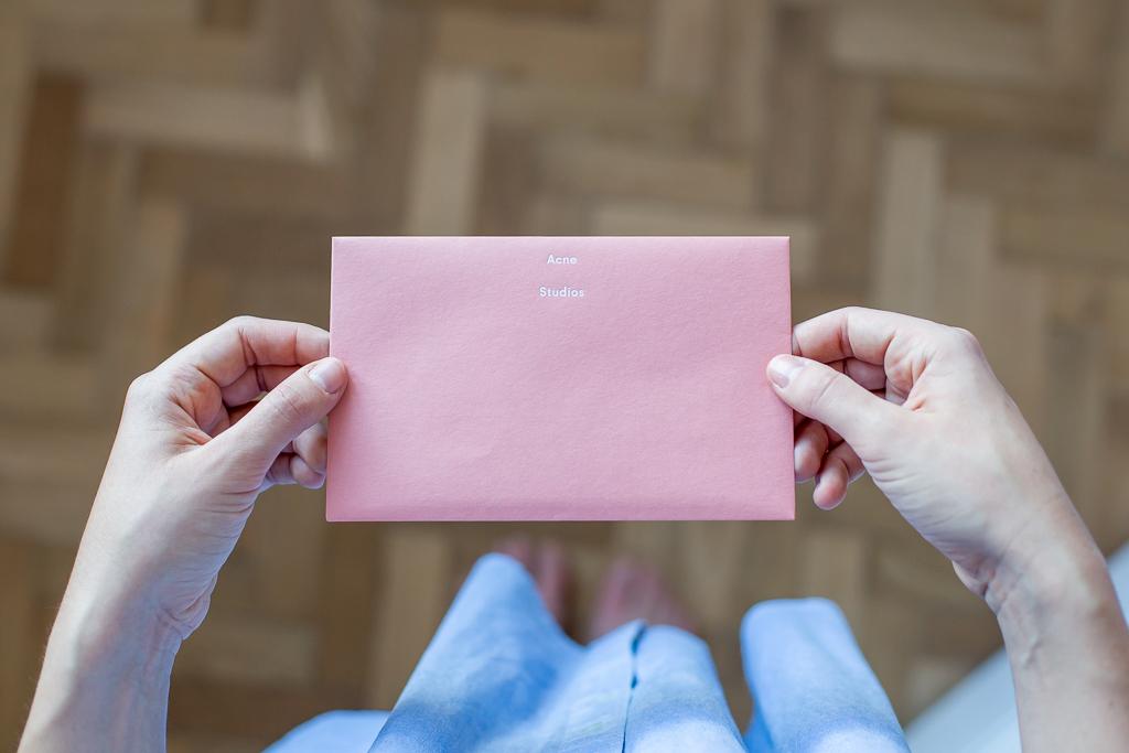 Acne Envelope