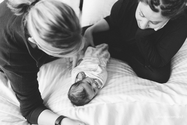 twin-cities-newborn-photographer_0914.jpg