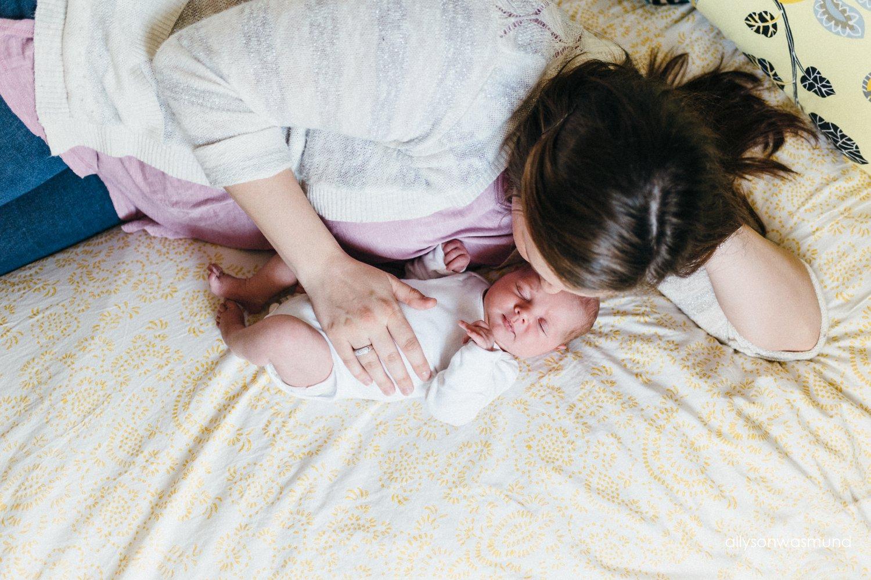 bloomington-mn-in-home-newborn-photographer_1516.jpg
