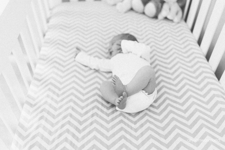 bloomington-mn-in-home-newborn-photographer_1531.jpg