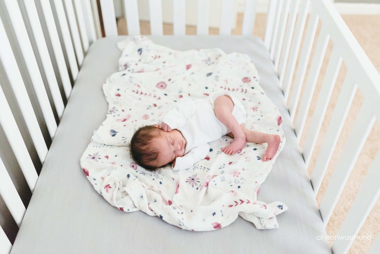 new-brighton-mn-lifestyle-newborn-photographer_0041.jpg