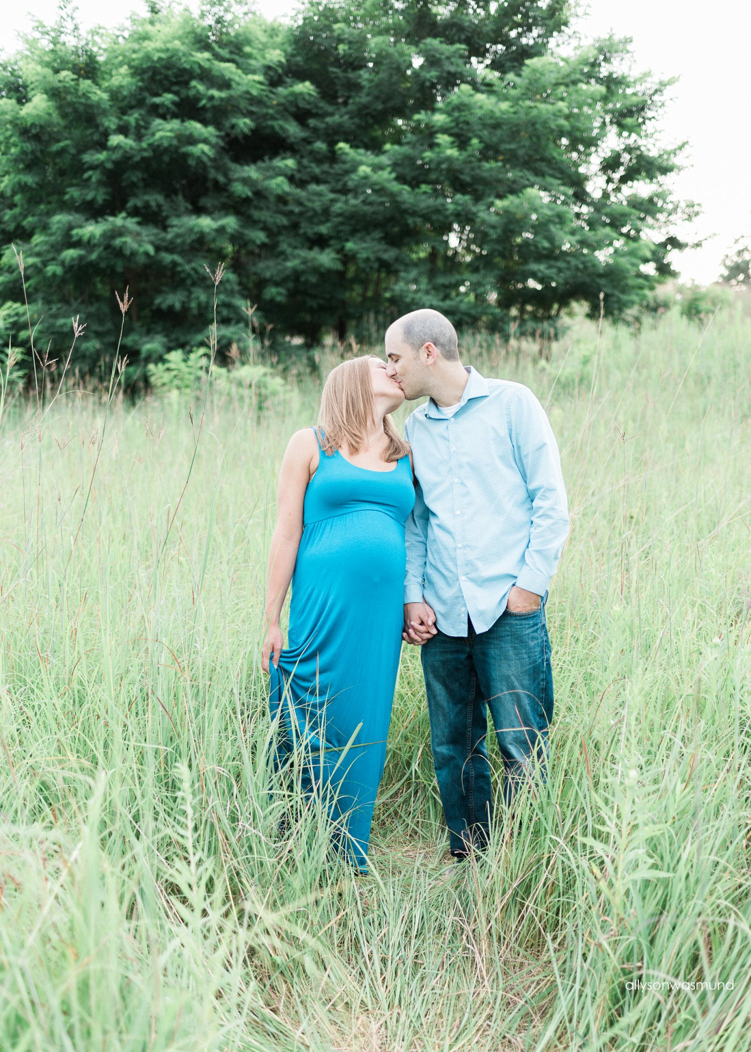 st-paul-mn-outdoor-film-maternity-photographer_0124.jpg