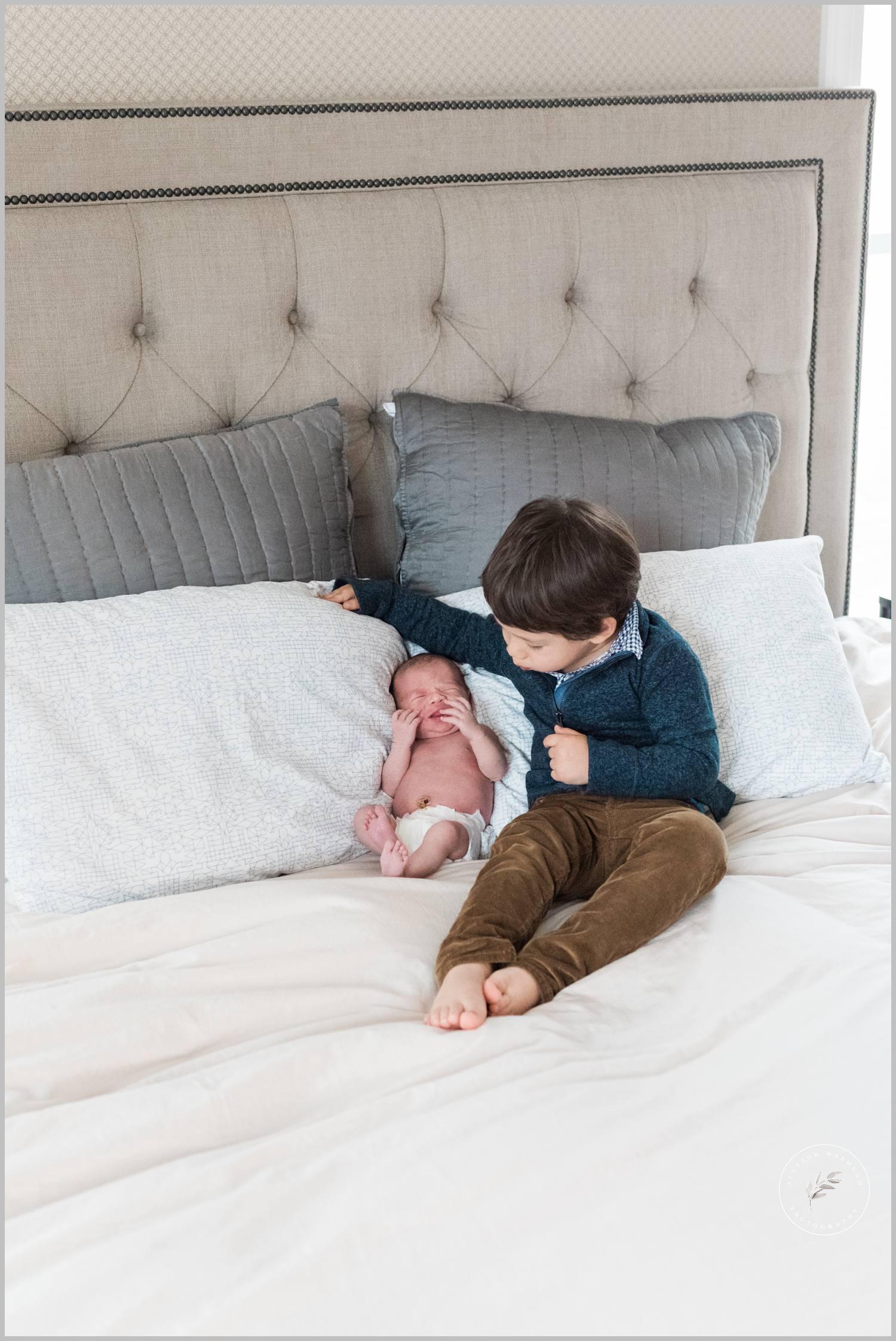 st-paul-natural-in-home-newborn-film-photographer_0011.jpg