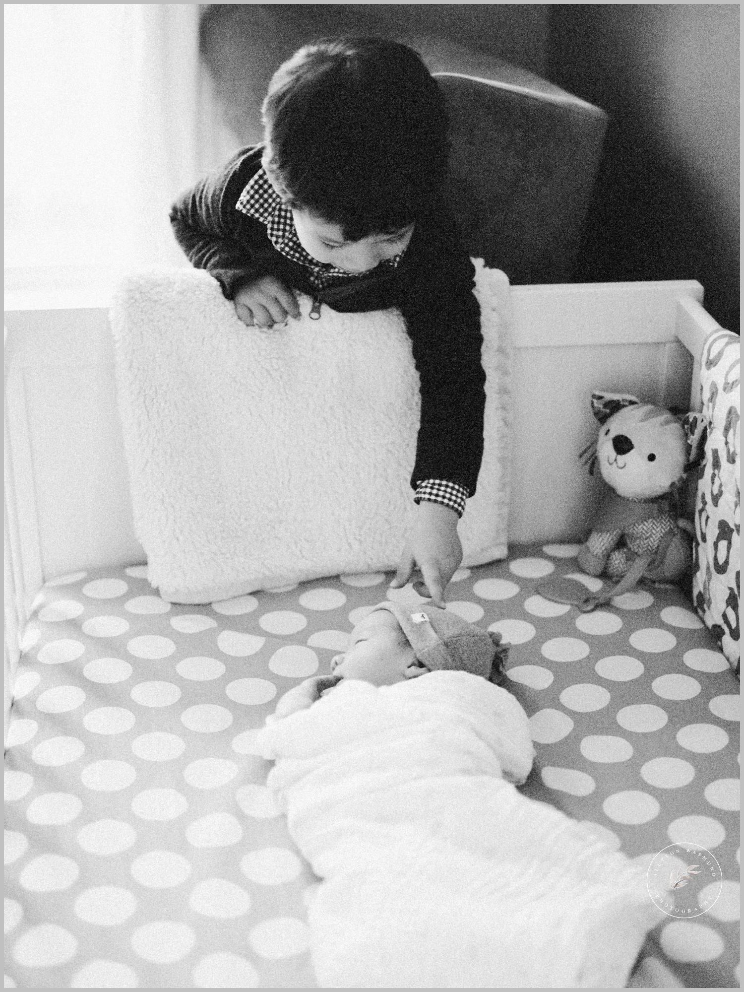 st-paul-natural-in-home-newborn-film-photographer_0010.jpg