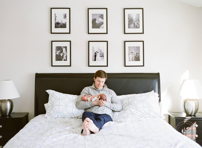 st-paul-mn-in-home-newborn-photographer-preston_0011.jpg