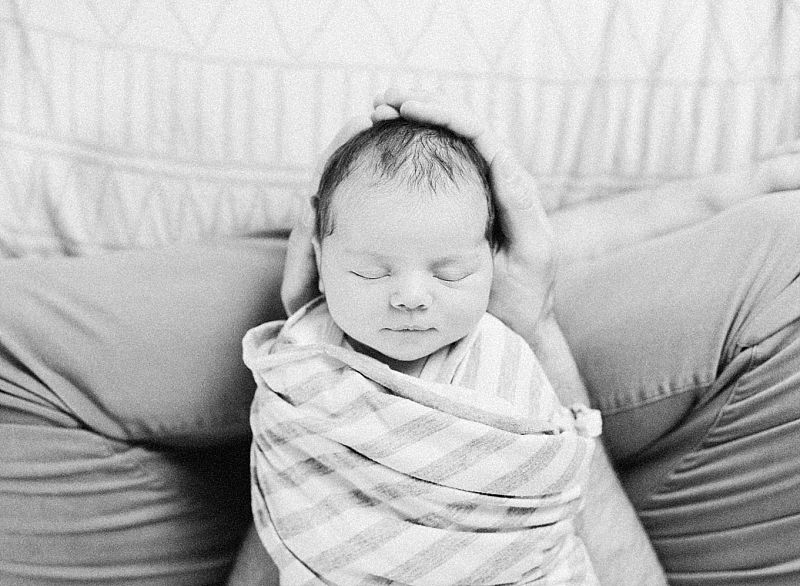 minneapolis-mn-at-home-newborn-session_0034.jpg
