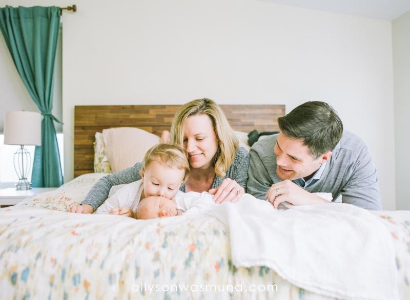 st-paul-mn-lifestyle-newborn-film-photographer_0006.jpg