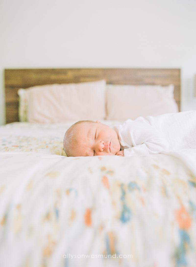 st-paul-mn-lifestyle-newborn-film-photographer_0015.jpg