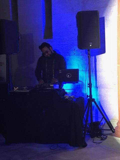 DJ turning up!