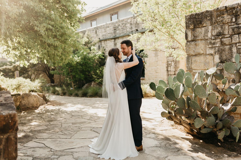 Austin wedding photographer lady bird johnson wildflower center wedding -43.jpg