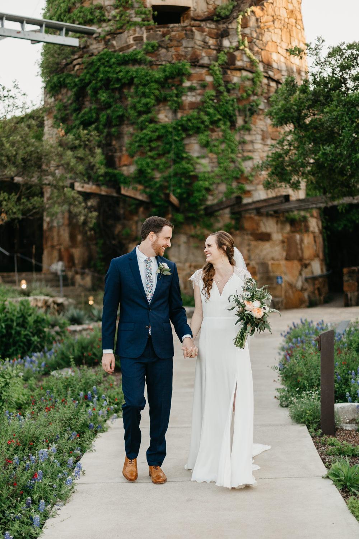 Austin wedding photographer lady bird johnson wildflower center wedding -119.jpg