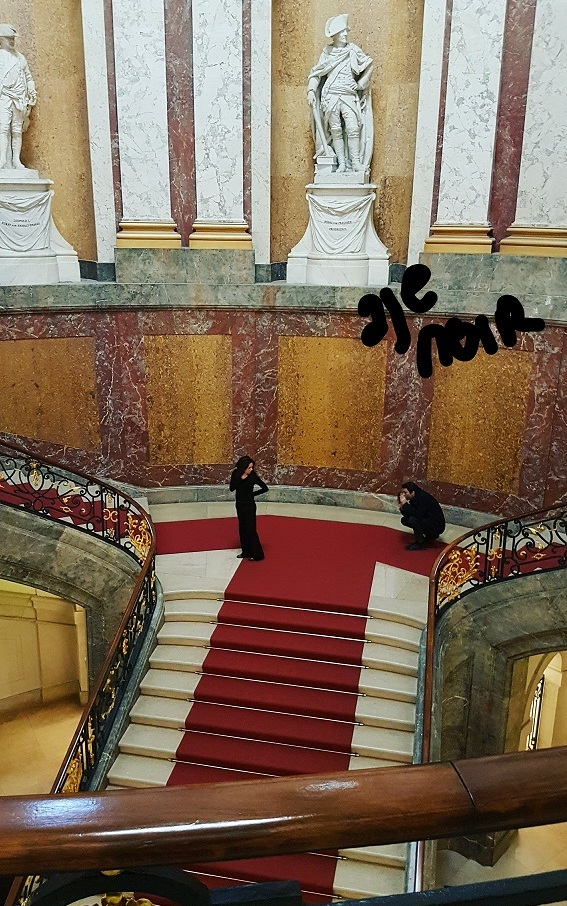 201901 - A fuzzy photo of 'Muse and Artist' dressed in all black at the Bodes Museum. Taking photos in museums is a shameful act, but it wasn't of any of the artwork. I like to imagine they were only in Berlin for two days.