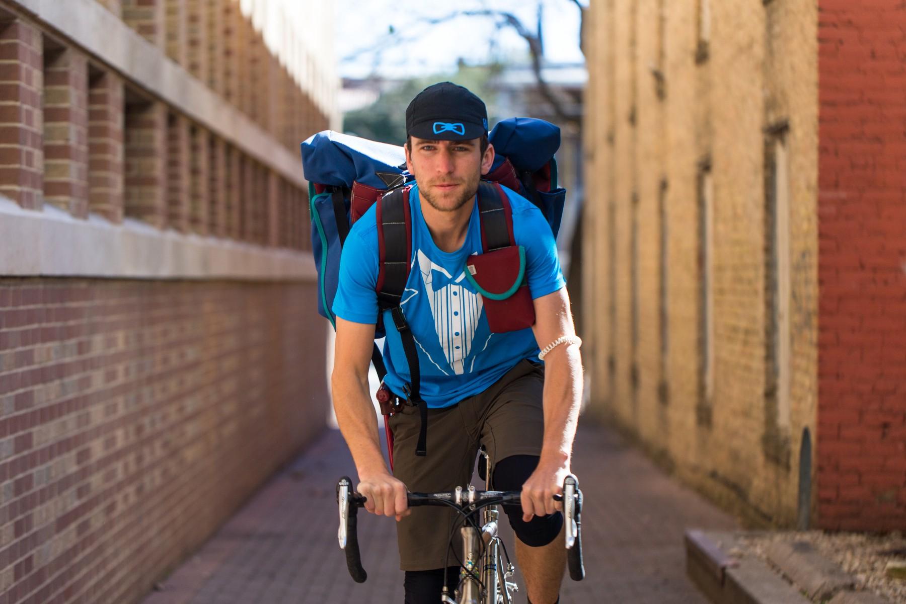 favor - ad - biker.jpg