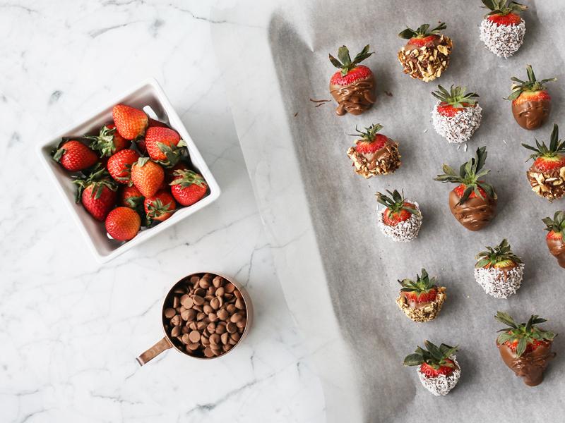 laurennicolefoot-photos-2018---march---Chocolate-strawberries-(1-of-10)-copy-7.jpg