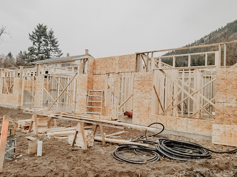 lake_house_home_build_framing_800+(7+of+9).jpg