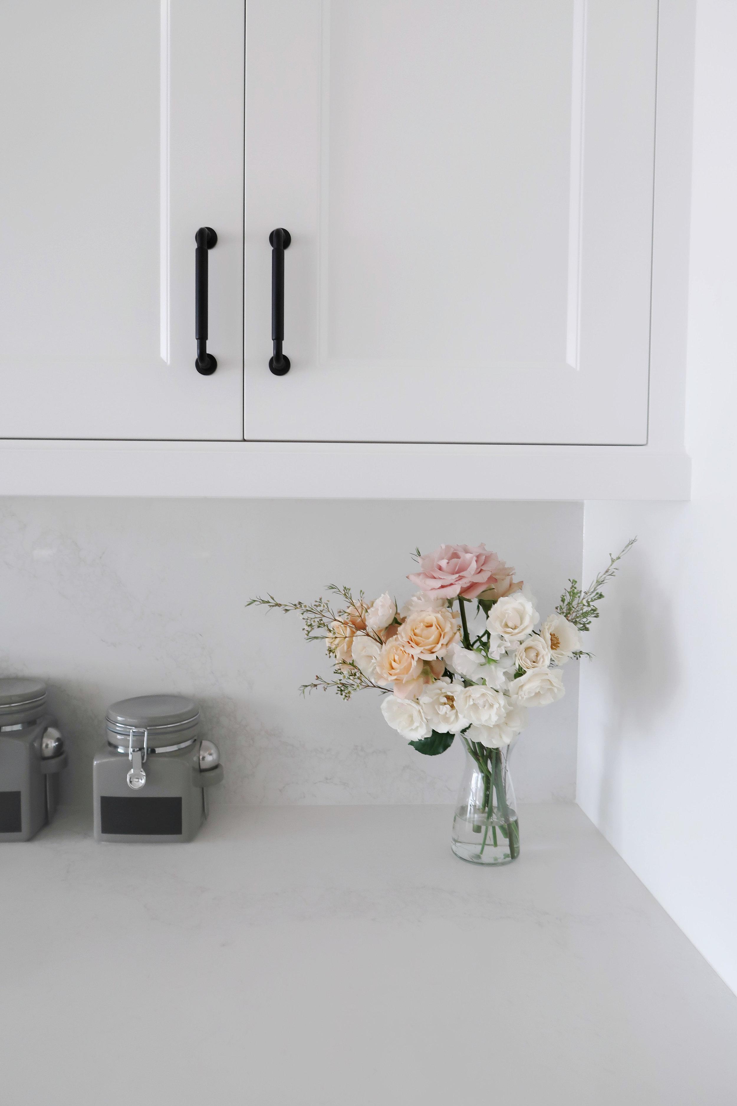 laurennicolefoot-2019-april-wedding-floral-home-3 copy.jpg