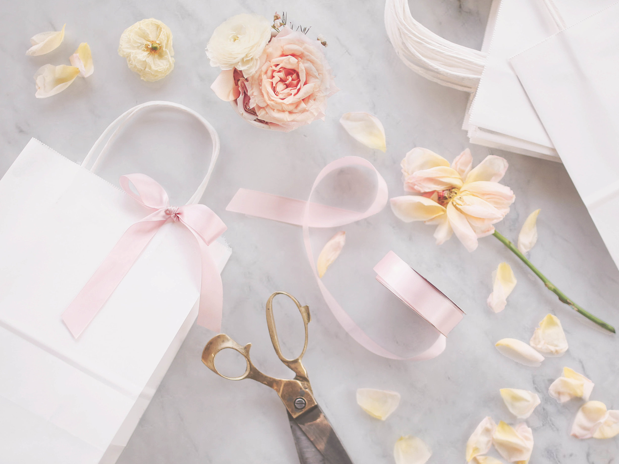 laurennicolefoot-2019-april-wedding-gift-bags-10_MARBLE.jpg