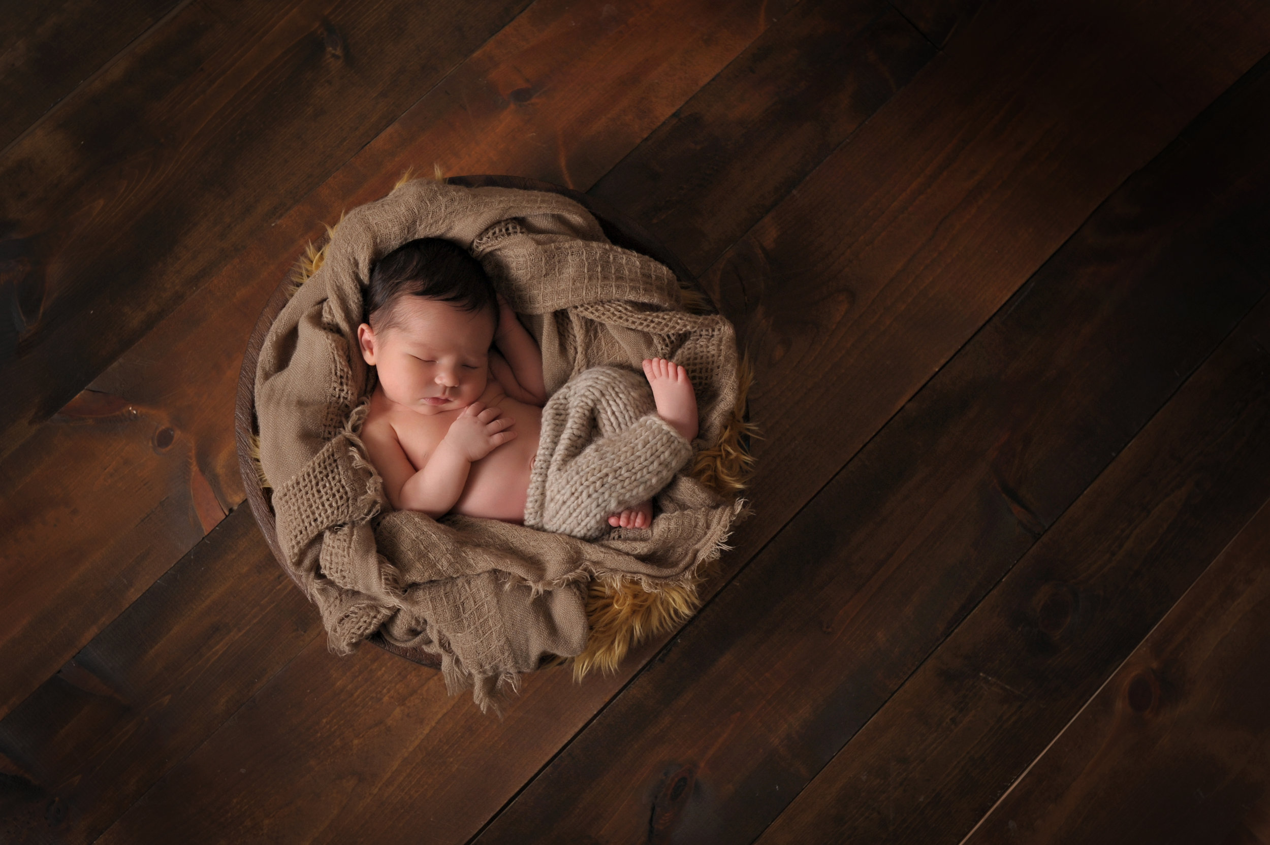 professional-newborn-baby-and-family-photos-culpeper-va-03