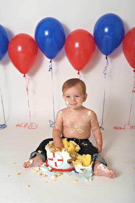 baby-cake-smash-1st-birthday-culpeper-va-14.jpg