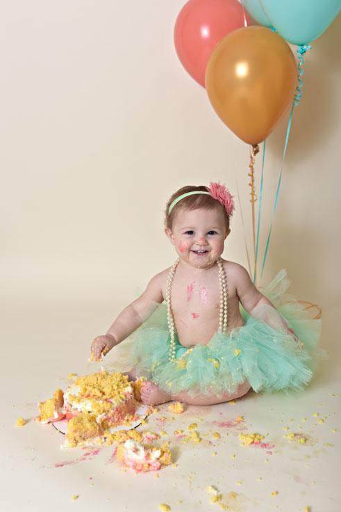 baby-cake-smash-1st-birthday-culpeper-va-16.jpg