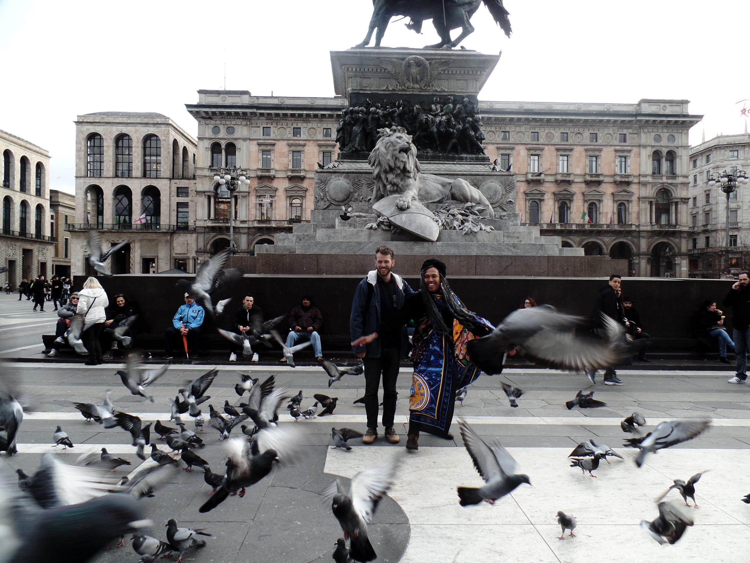 MITCH TREDENICK & I ANNOYING BIRDS IN MILAN :D.