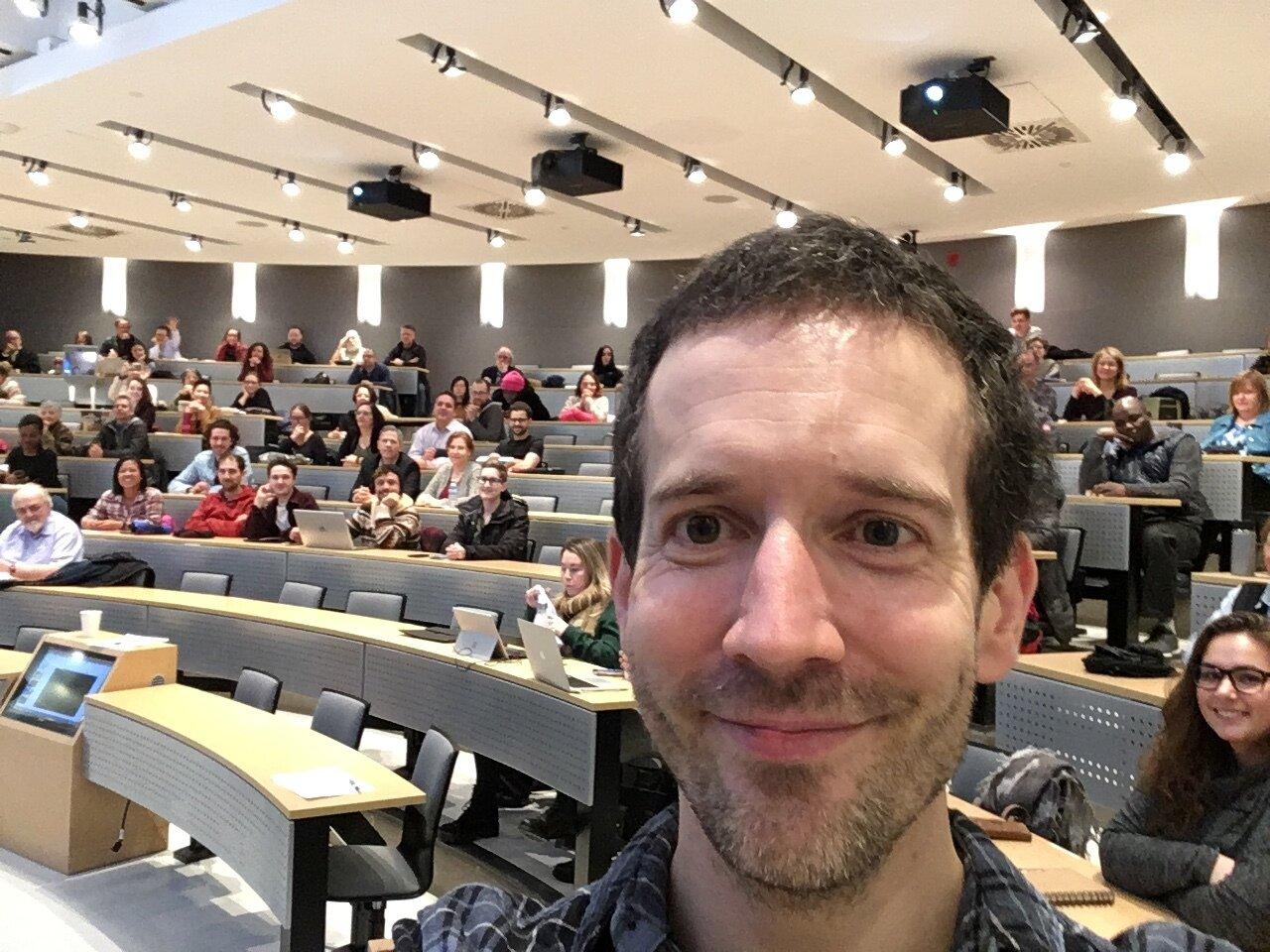 À l'Université Laval en février 2019. La salle aurait probablement été pleine si nous n'avions pas eu quelques imprévus avec le site d'inscription et avec le local.