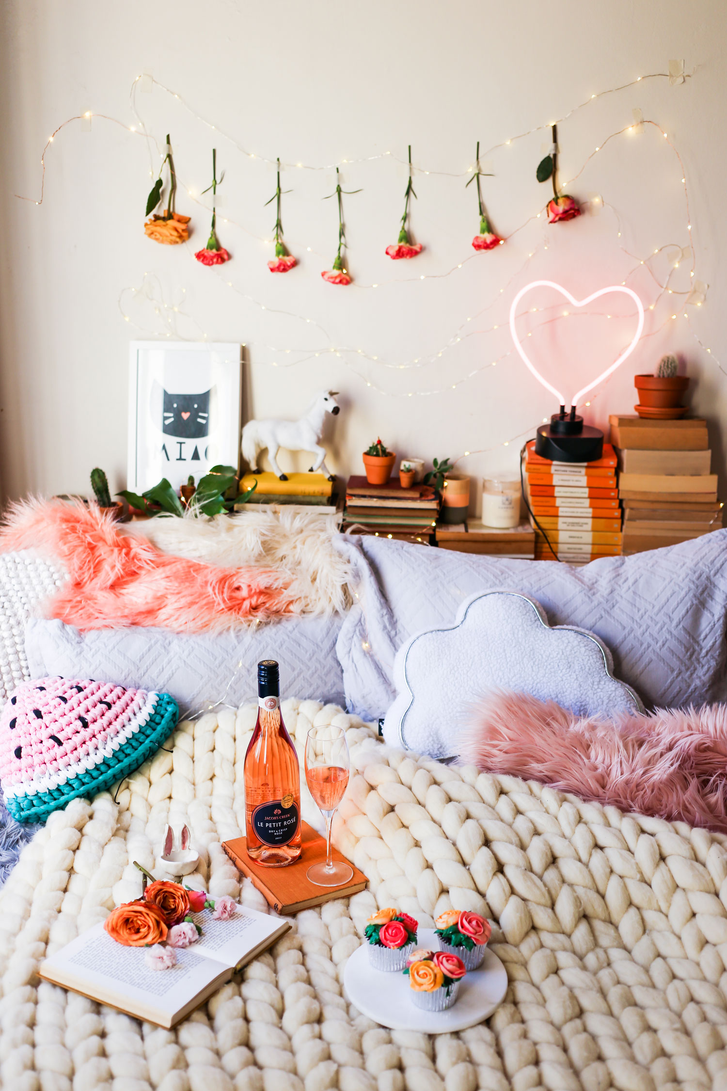 V-Day_Bedroom_La-Petite-Rose-x-HELLO-MISS-MAY.jpg