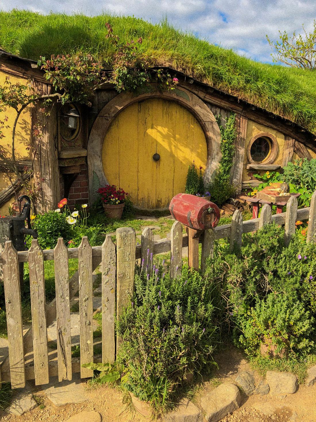 Hobbitton_Yellow-Door_Hello-Miss-May.jpg