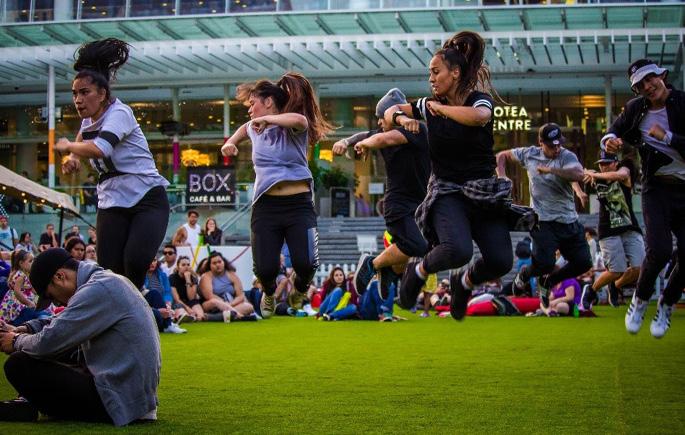 Freshmans Dance Crew.png