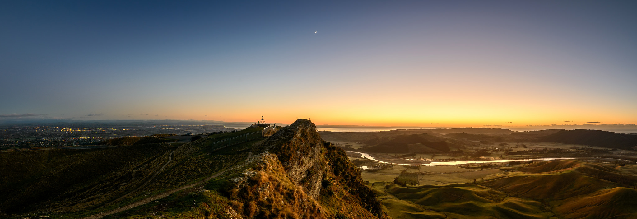 """Simply the Peak"", Te Mata Peak Predawn"