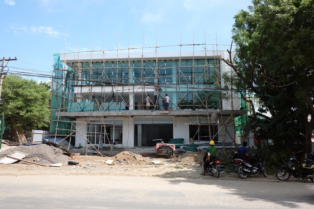 A new (Bank?) building, New Bagan