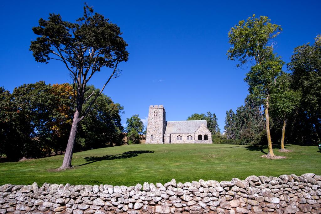 St Davids ( Pioneer Memorial ) Church, Cave