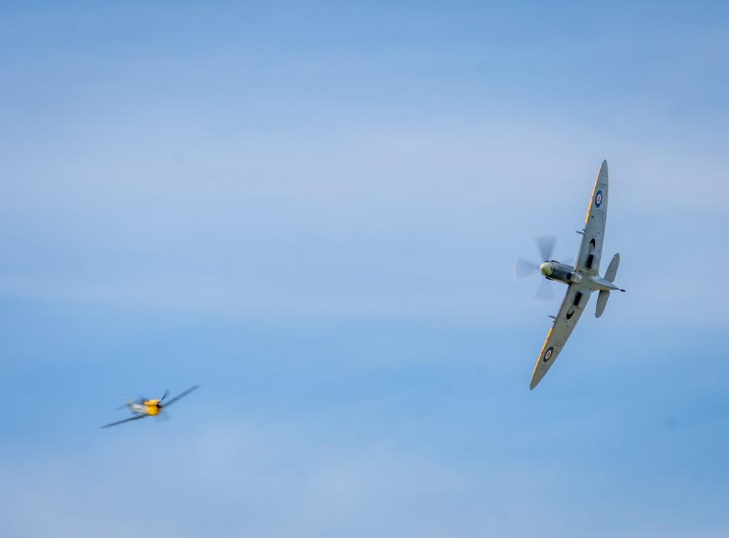 Dogfight: Messerschmitt 109 vs Spitfire