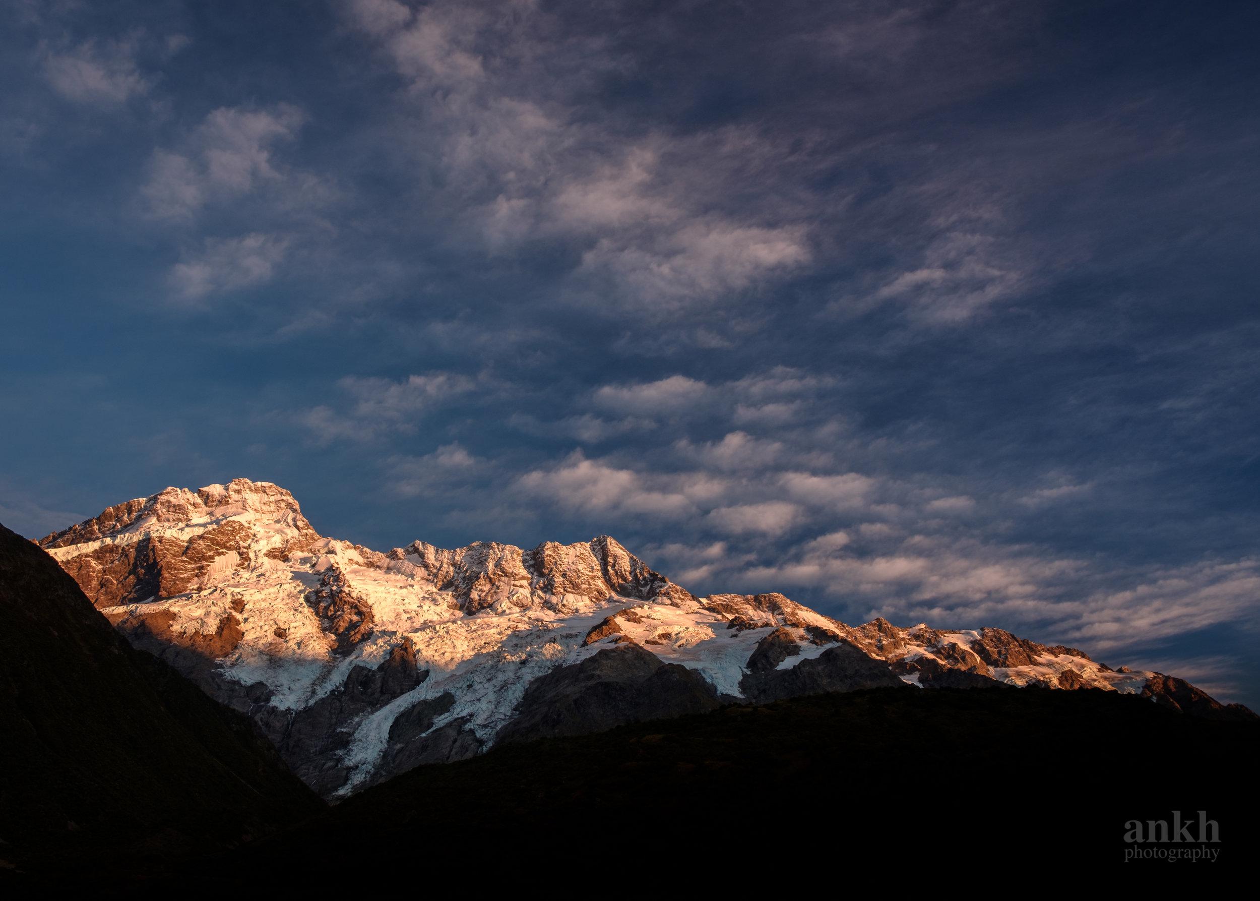 Polarized Mountains