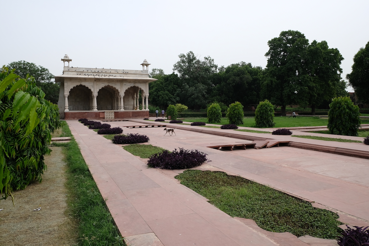 Pavilion and empty canal, Red Fort