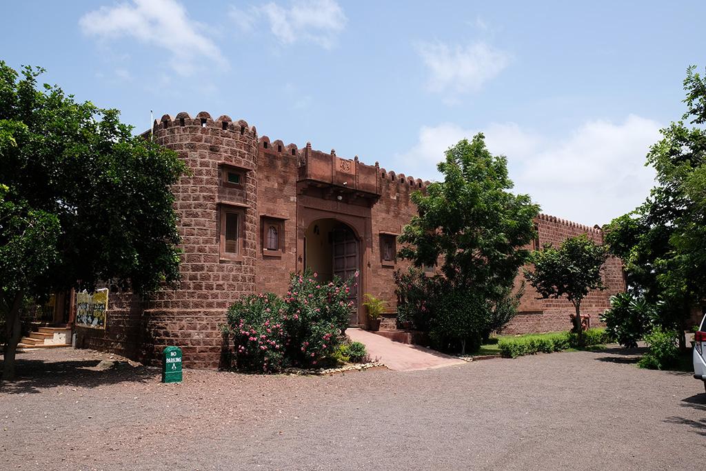 Lunch Stop, Khush Mahal Dera Fort