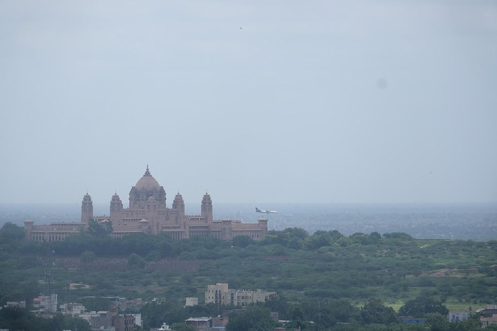 Umaid Bhawan Palace and incoming flight, Jodhpur