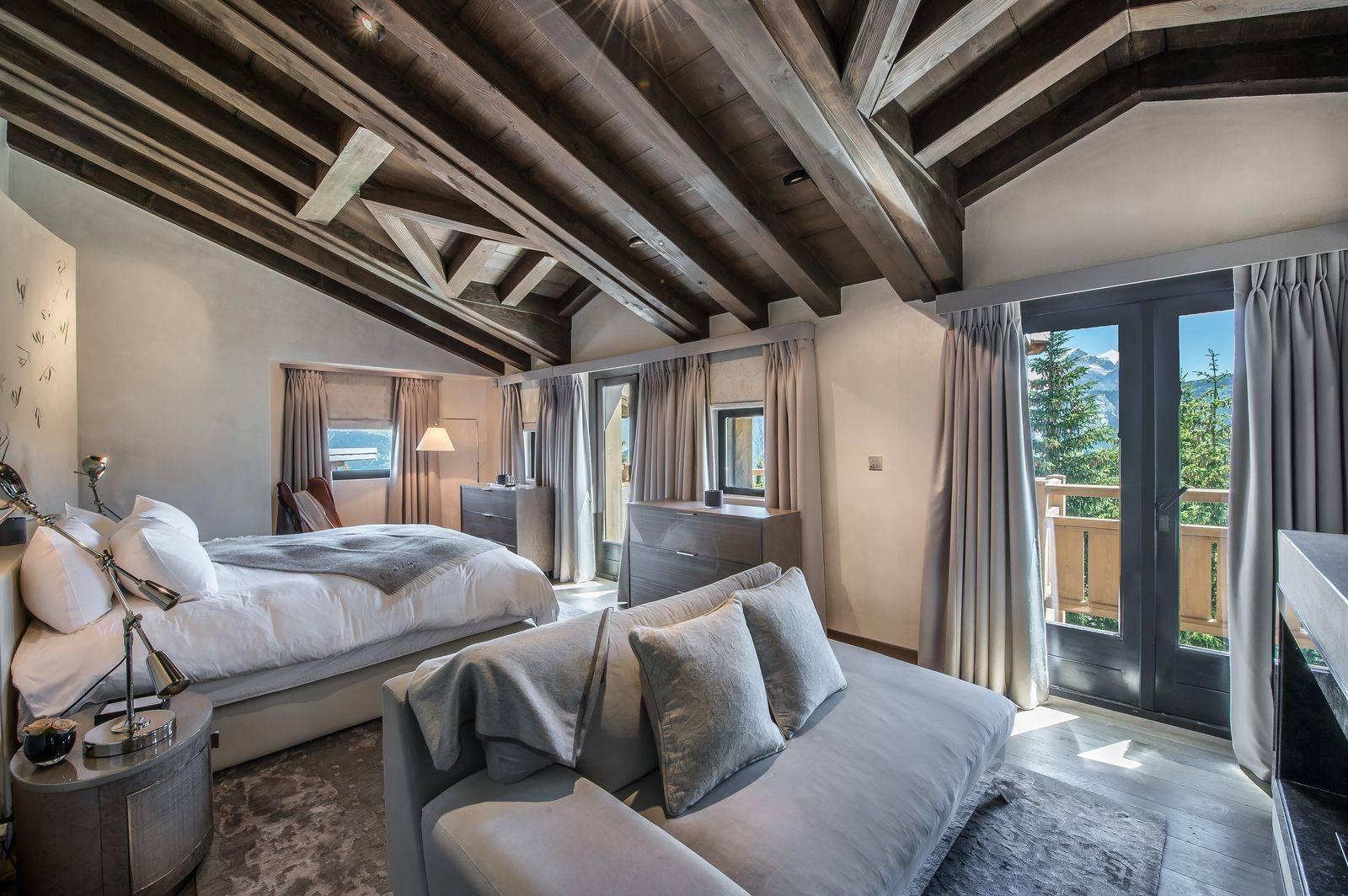 Perce Neige - Master Bedroom.jpg